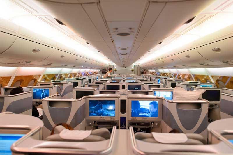 Business class met de airbus a380 800 ga met gomice for Airbus a380 photos interieur
