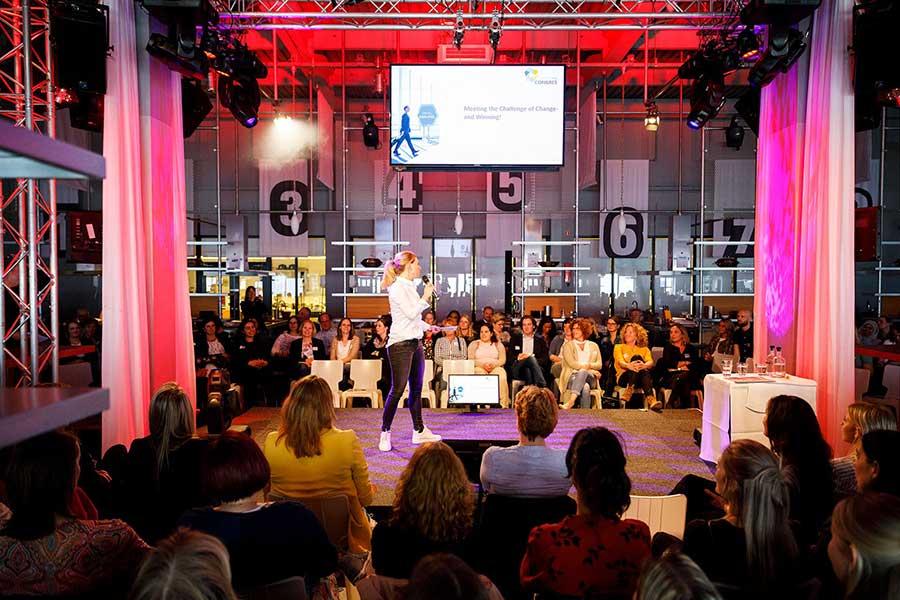 14 april was het weer zover: de UNIGLOBE Conventie en Awardshow met gezellige activiteiten, interessante sprekers en uitdagende workshops. En niet te vergeten: de uitgereikte awards. Weten welke awards goMICE heeft behaald? U leest het in ons laatste blog!
